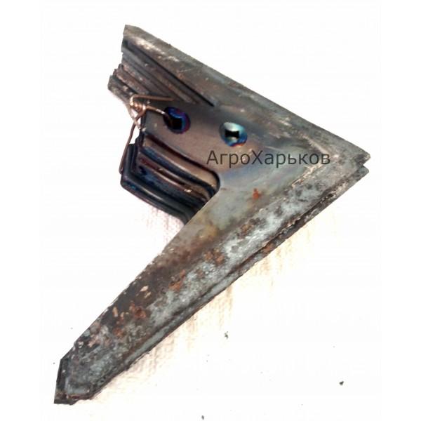 Лапа стрельчатая КПС 330 мм наплавка сормайтом, Сталь-65г