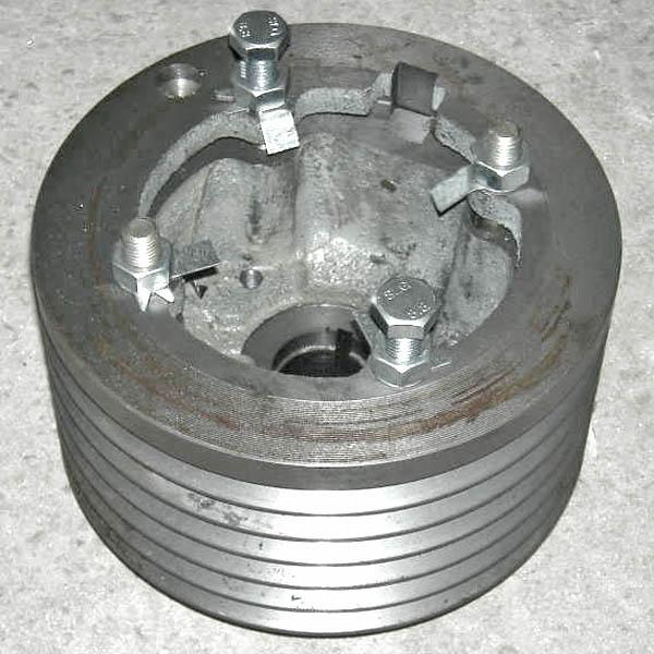 Шкив двигателя (лев.стор., СМД-31А, 10.05.00.108)